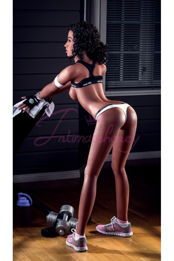Irene Bodybuilding Girl C cup mit schwarzer Haut und lockigem Haar Hotest Silicone Sex Doll